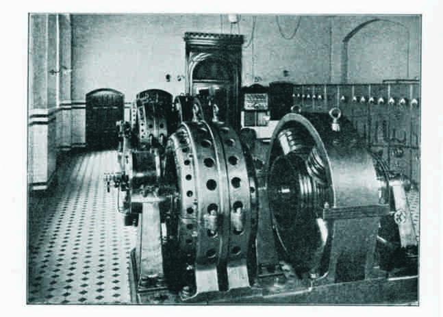 Um 1900. Die Maschinen sind längst ausgebaut, der Kachelboden unter Teppich verschwunden (aus Mannheim und seine Bauten 1907)