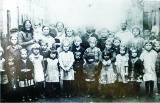 Kinder der Jutekolonie 1926 (Foto aus Heierling)