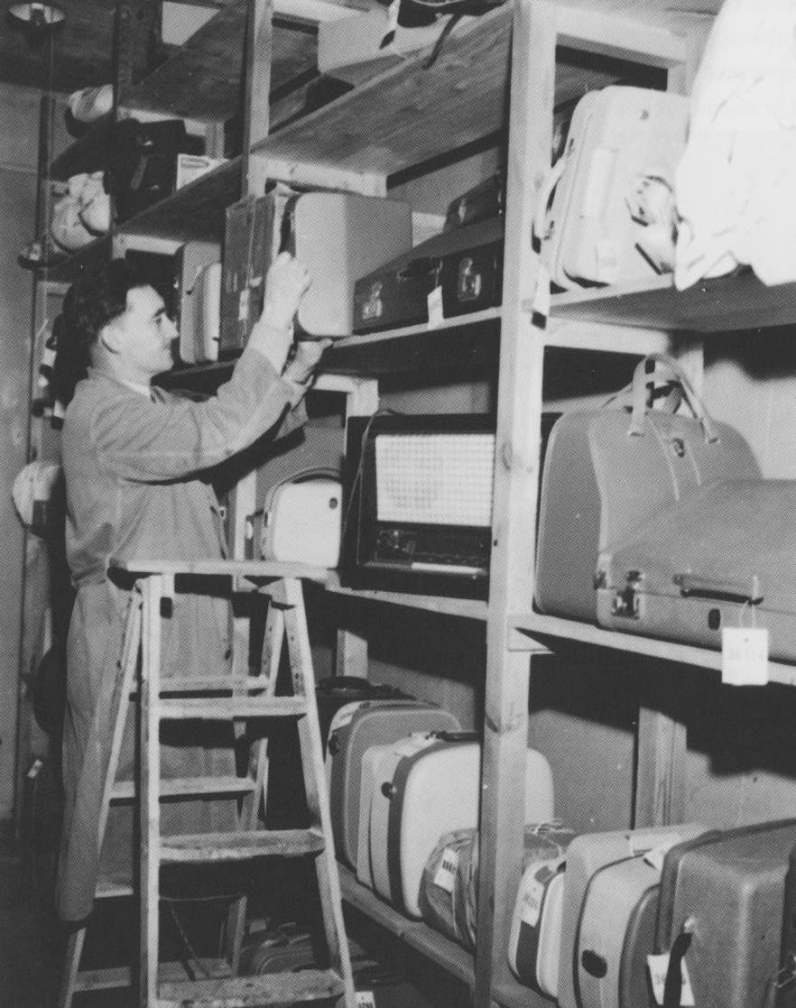 Pfändermagazin in den 50erJahre (Foto Pit Steiger aus: Der große Schrank von Mannheim)