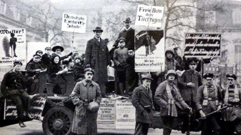 SPD-Wahlkampf um 1919 (Foto Stadtarchiv Lu)