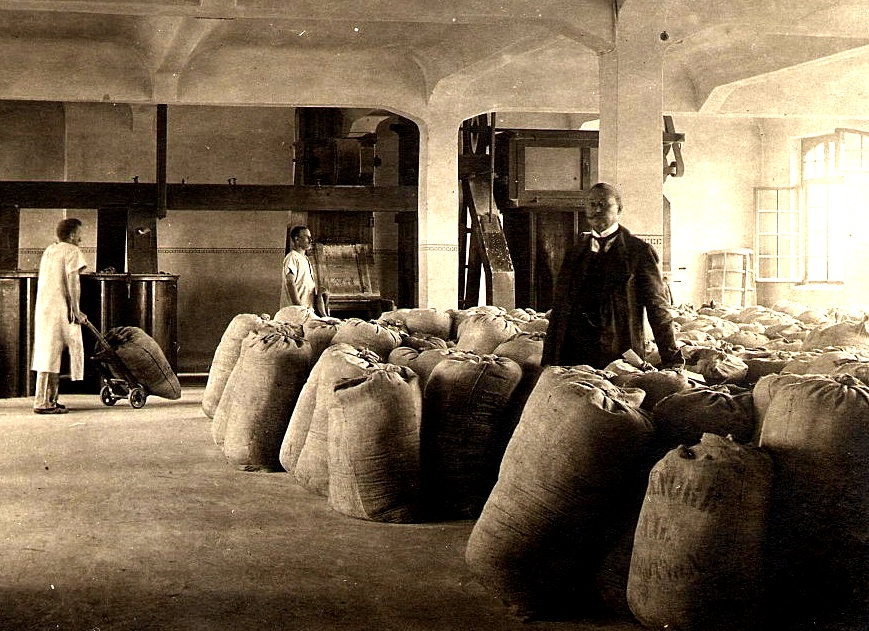 Sackwarenlager im Mannheimer Konsumverein um 1910 (Foto Gladrow)
