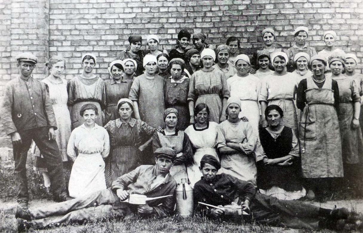 SpinnereiarbeiterInnen (Foto aus Heierling)