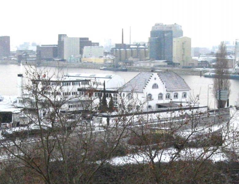 Brillux im Industriehafen Mannheim   Industriekultur