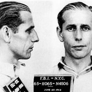 Polizeifoto von George John Dasch aus dem Jahr 1942, FBI